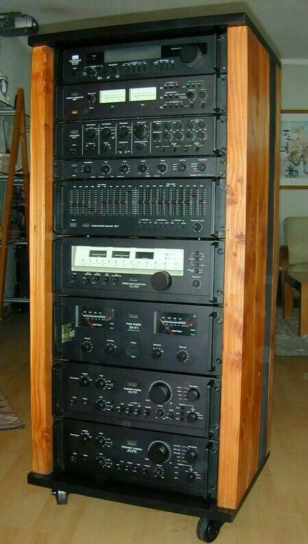 Sansui Rack Magnitofon Usilitel Muzykalnyj Centr