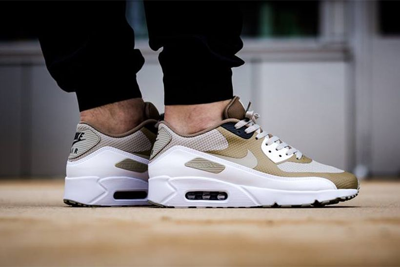 competitive price 53eb3 e74d1 Nike s Air Max 90 Ultra 2.0 Pairs Pale Grey With Khaki