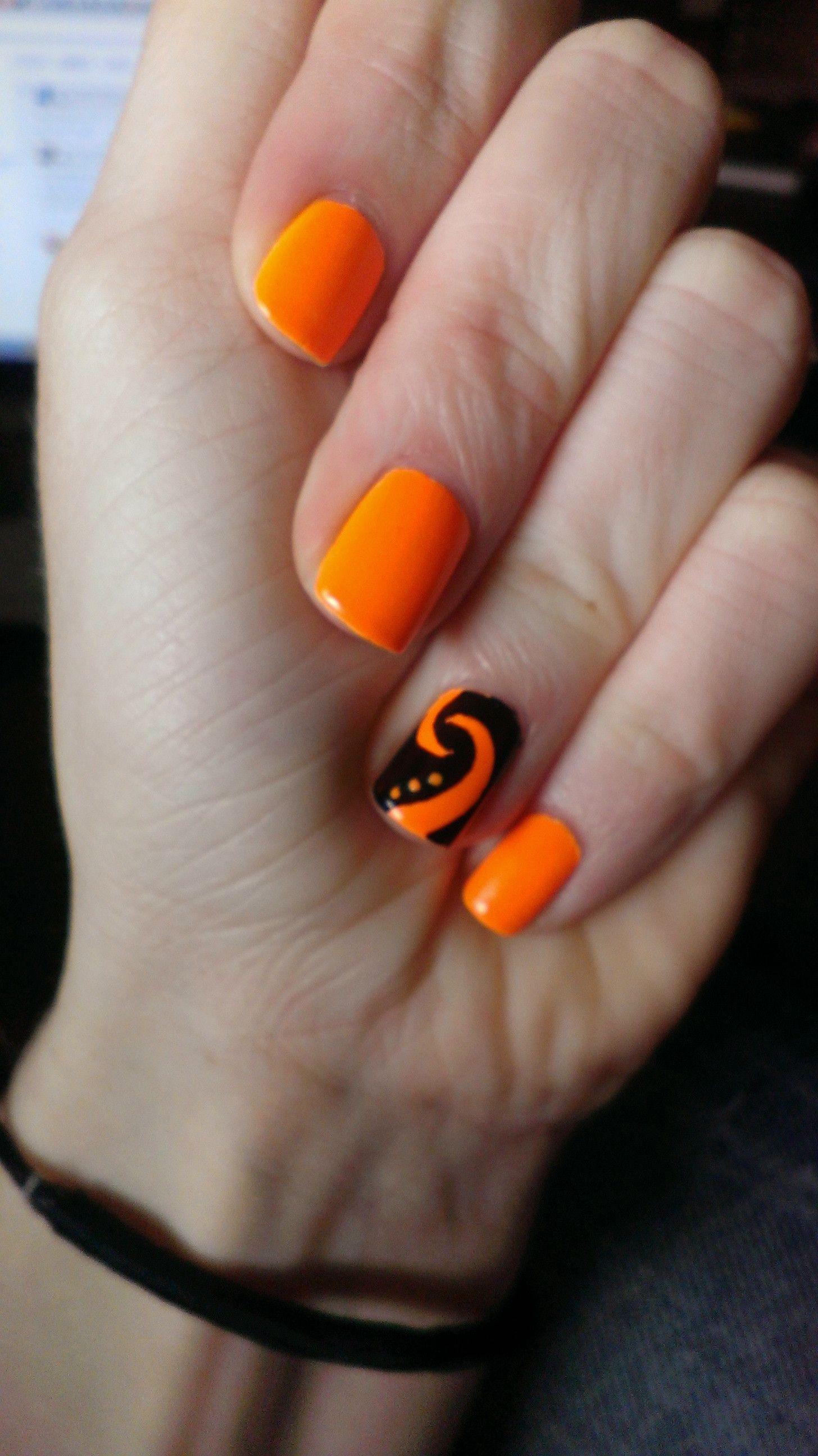 Funky Little Swirl Accent Orange Nail Art Orange Nails Trendy Nails