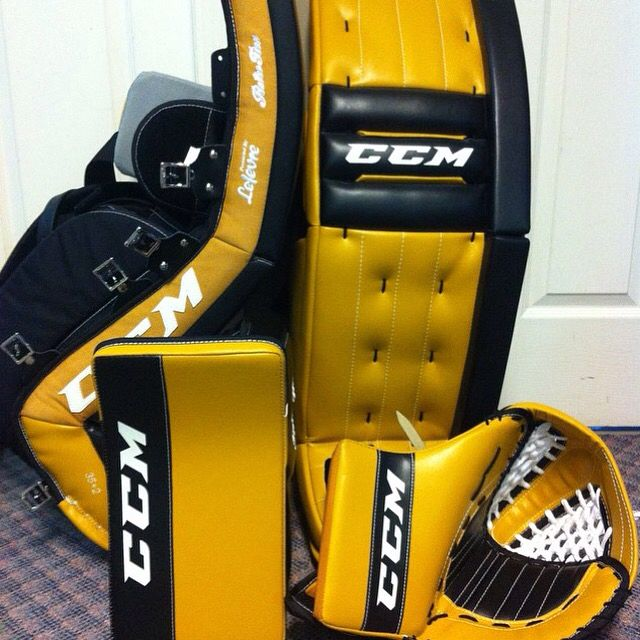 Here's a Black & Yellow CCM Retro Flex setup  | Gerrard's