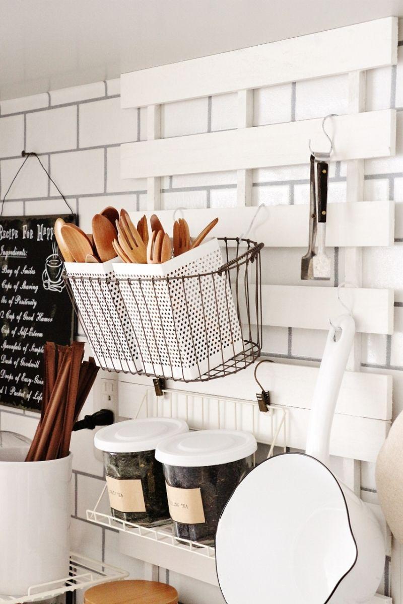 100均で キッチン壁面をすっきりカフェ収納 ぴったりだったあれと 模様替え後 収納 アイデア インテリア 100均 Diy インテリア