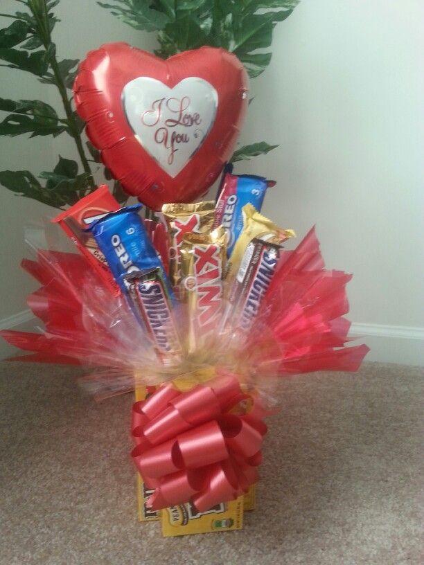 Valentine S Day Candy Bouquet W Balloon Candy Bouquet Pinterest