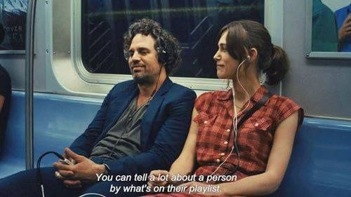 """livinglouder-chasingdreams: """" """"Você pode dizer muito sobre uma pessoa pelo o que está em sua playlist."""" Mesmo que Nada de Certo """""""