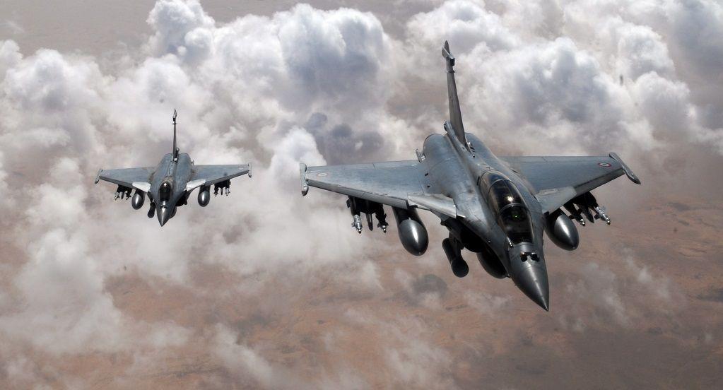 Französische Kampfjets bringen Gewalt wieder dahin, wo sie hingehört