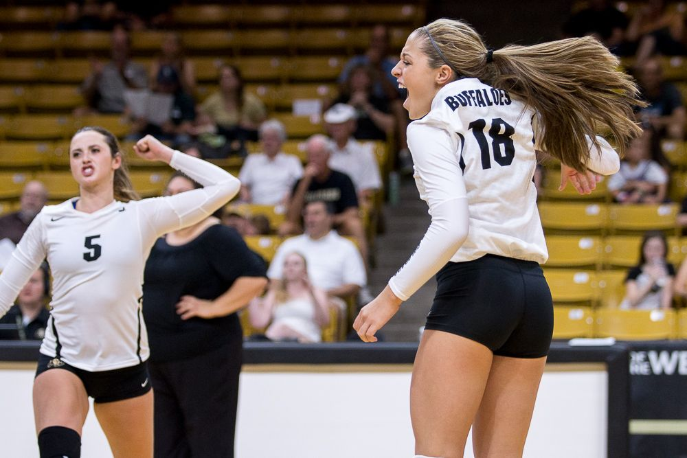 Cu Volleyball Finishes The Weekend 1 1 The Cu Independent Volleyball Women Volleyball University Of Colorado