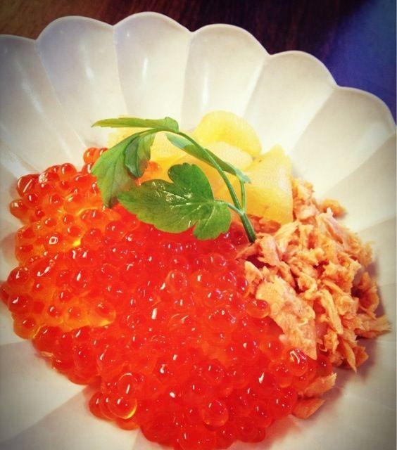 いくらと鮭の親子丼に数の子も入れて三色丼にしてみました〜 - 42件のもぐもぐ - 三色丼✨ by kayo