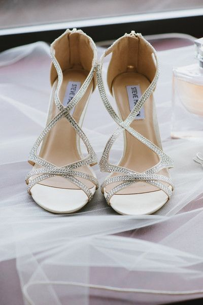 Strappy-silver-heels-for-bridal-shoes.jpg 400×600 pixel
