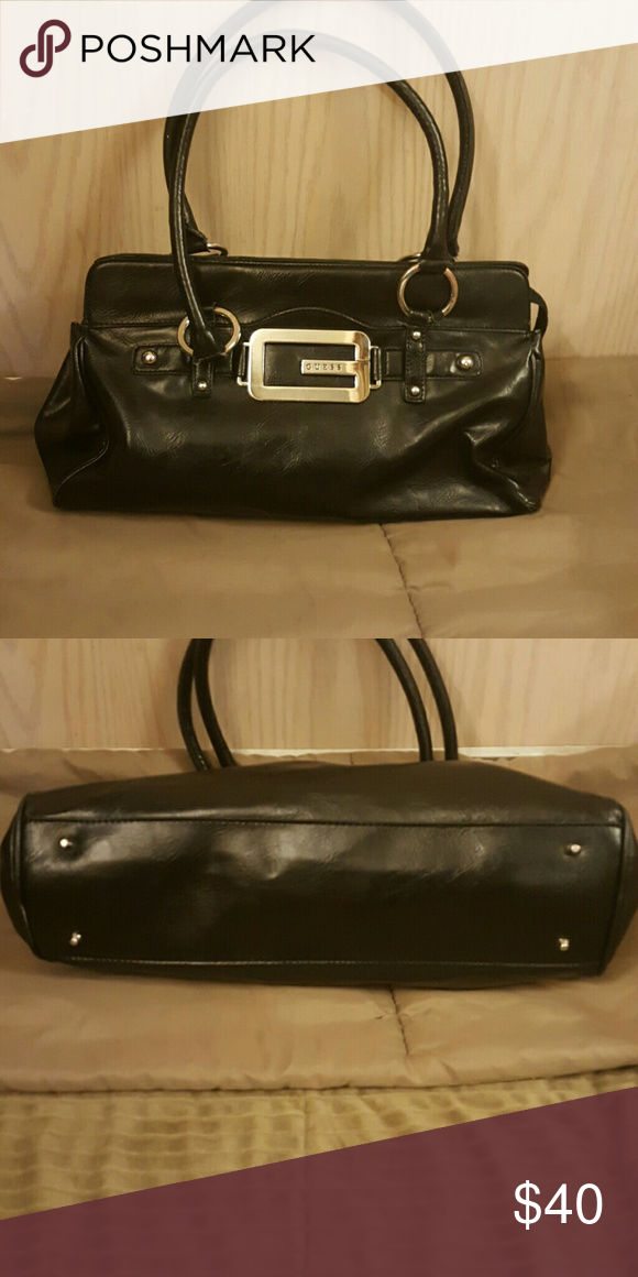 Black Leather Guess Shoulder Purse Approximately 13  8