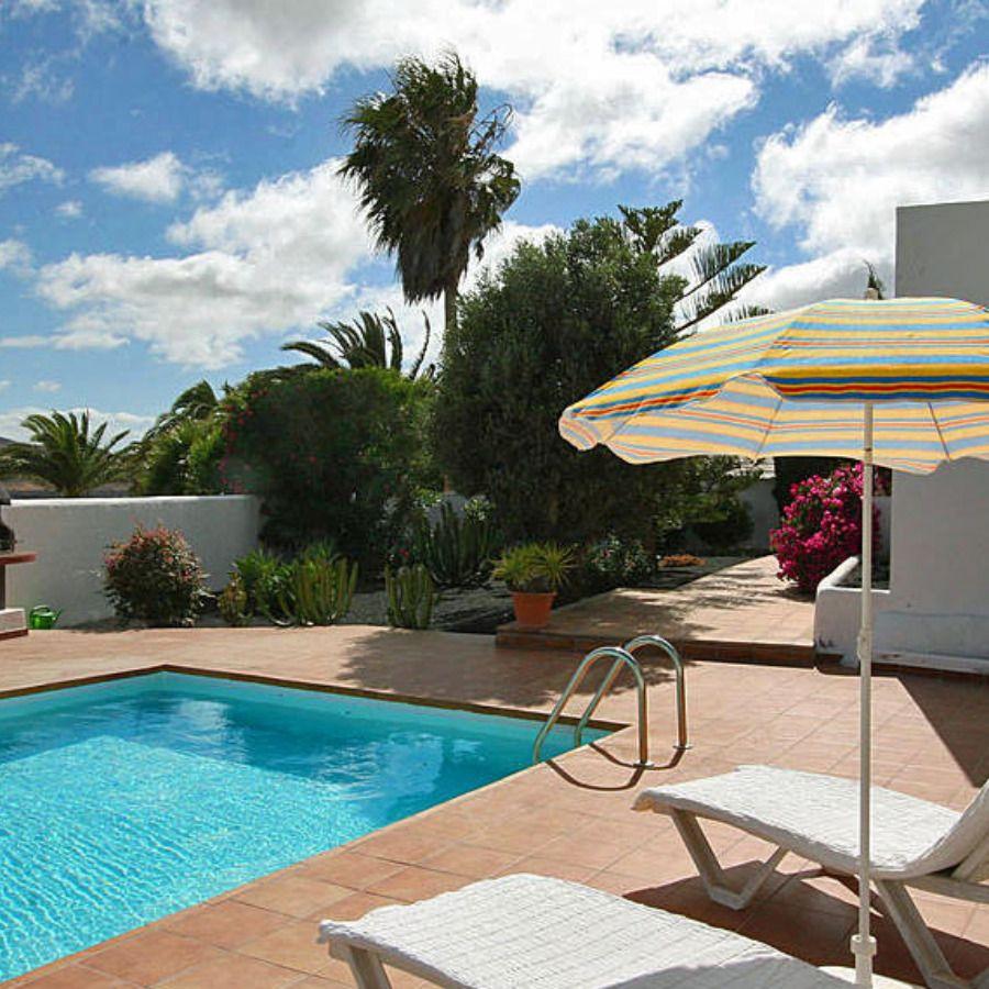 Ferienhaus mit Pool in der Nähe von Tahiche 1063L