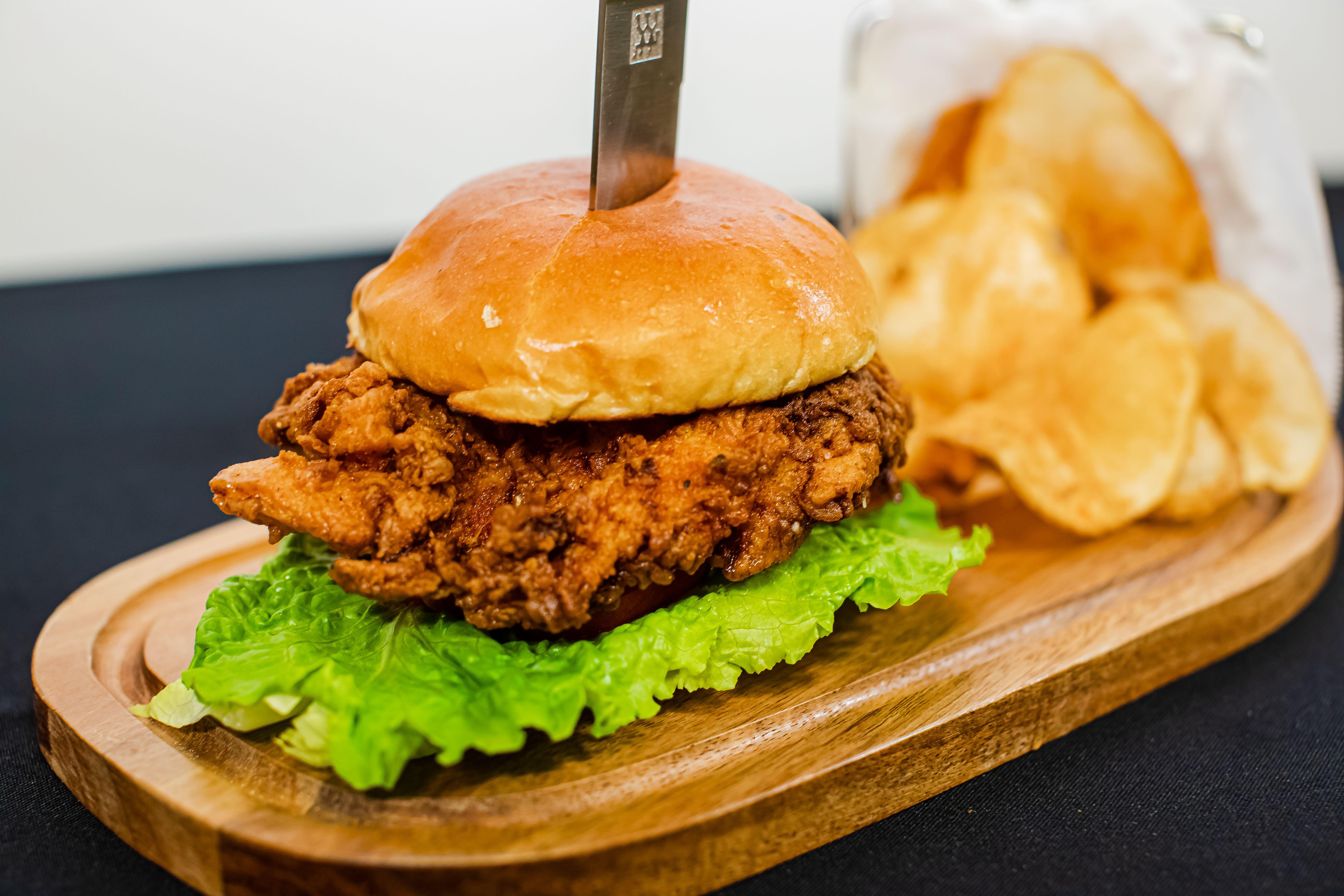 Buffalo Chicken Sandwich L Pier 48 In 2020 Buffalo Chicken Sandwiches Restaurant Order American Cuisine