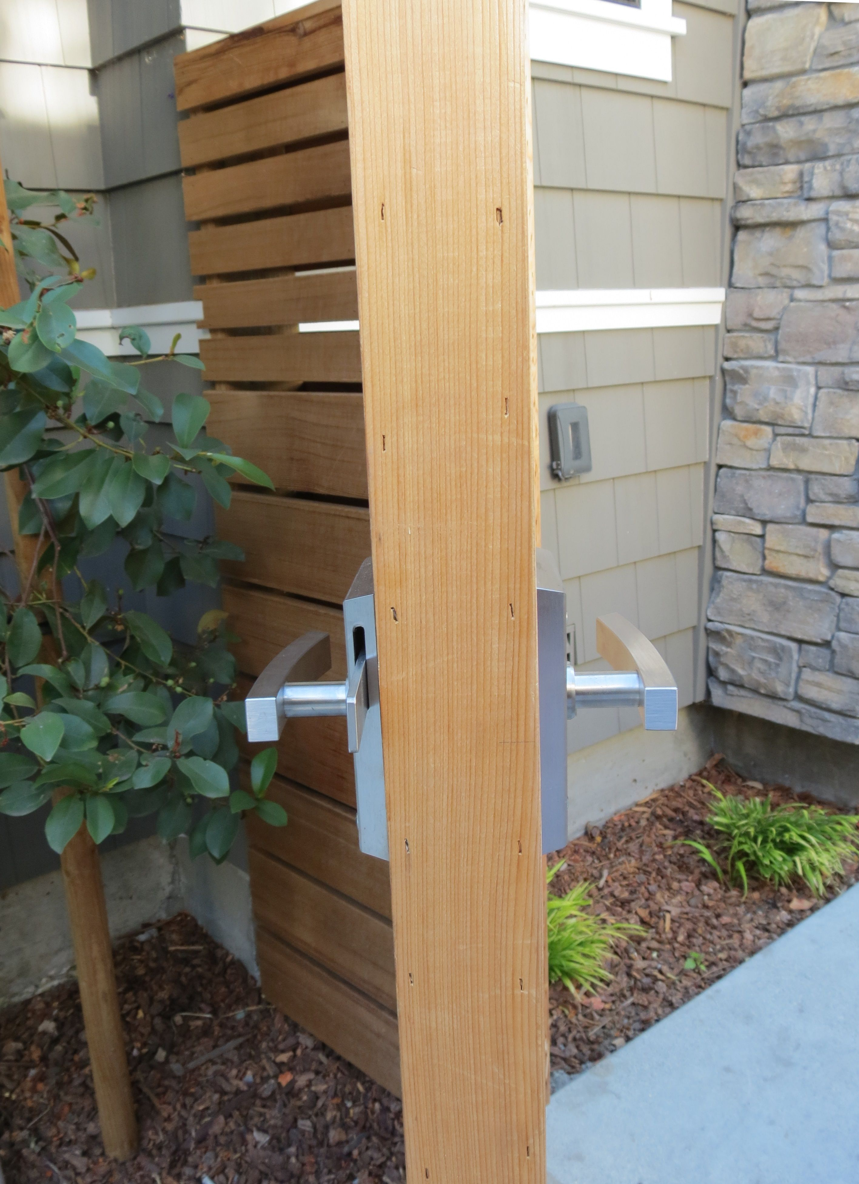 the stainless steel contemporary alta gate latch accommodates both