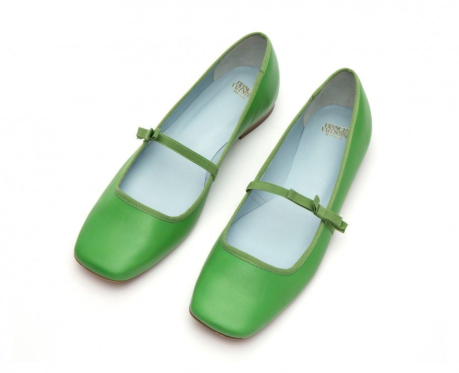 535d803faa2 Designed by Kate Spade these Mary Jane leather flats with a bow are perfect  to dress up or down.