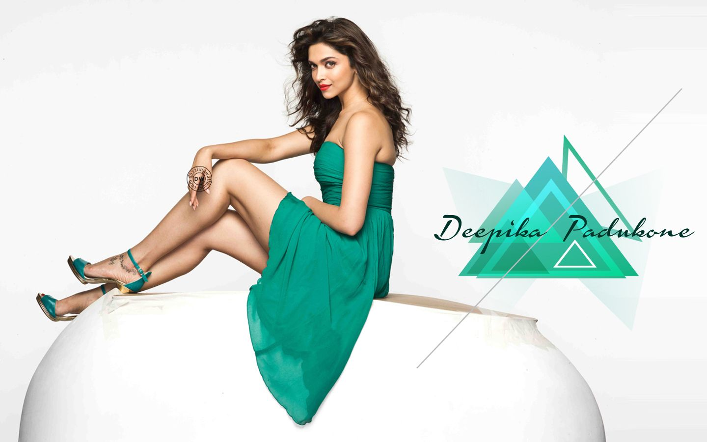 Download Bollywood Actress Hd Wallpapers 1080p Free: Deepika Padukone , HD Wallpapers, Hot, Sexy, Bold
