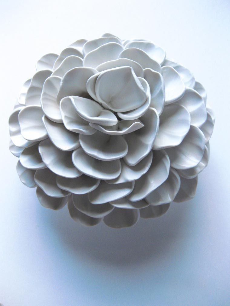 Les délicates fleurs en céramique de Dilly Pad