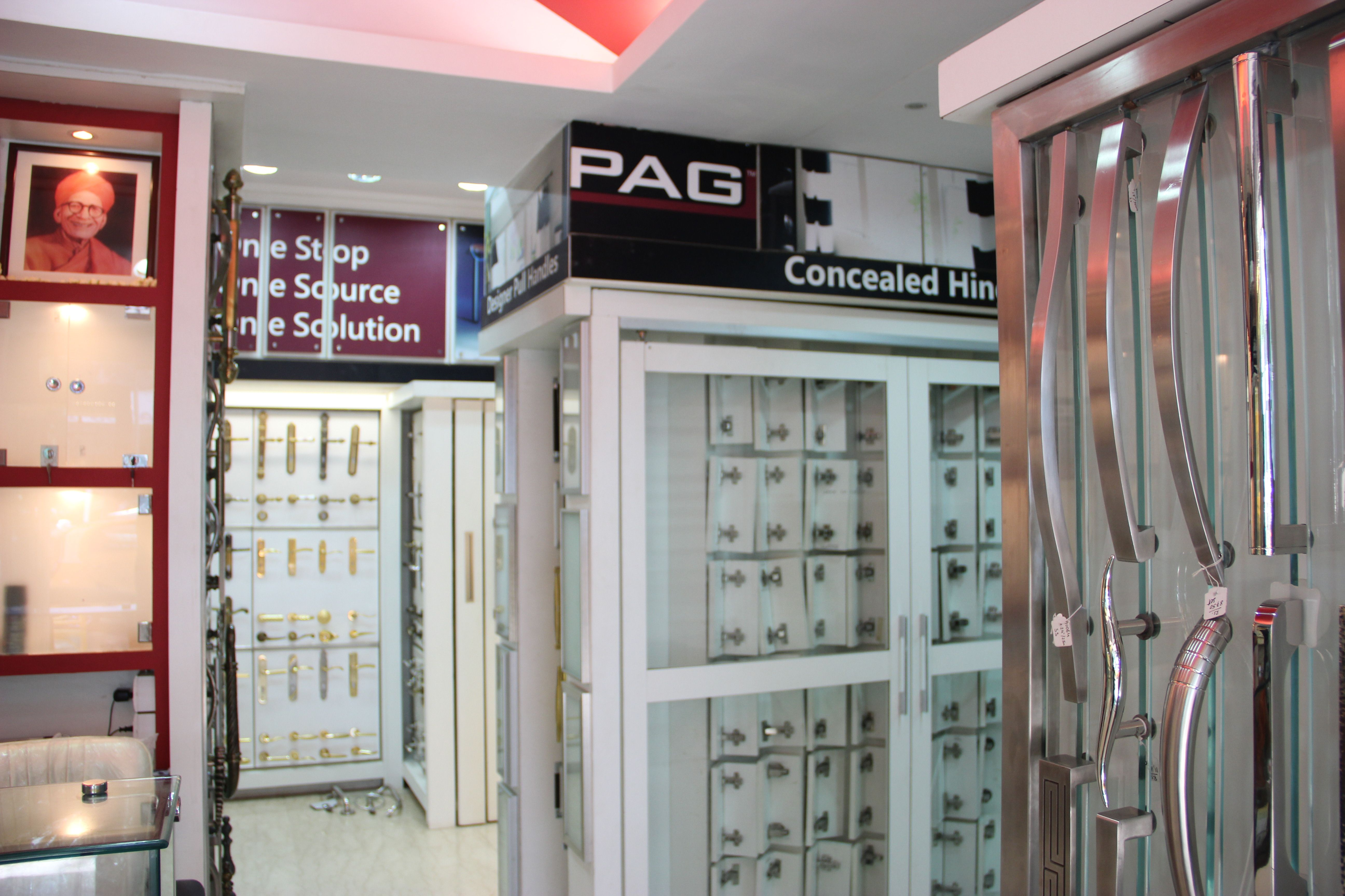 Our new architectural pag hardware showroom and display center in mumbai worli complete for Studio41 home design showroom southside chicago