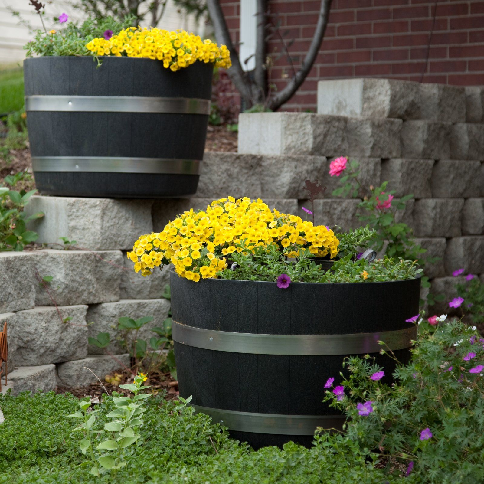 whiskey barrel Wine barrel planter, Whiskey barrel