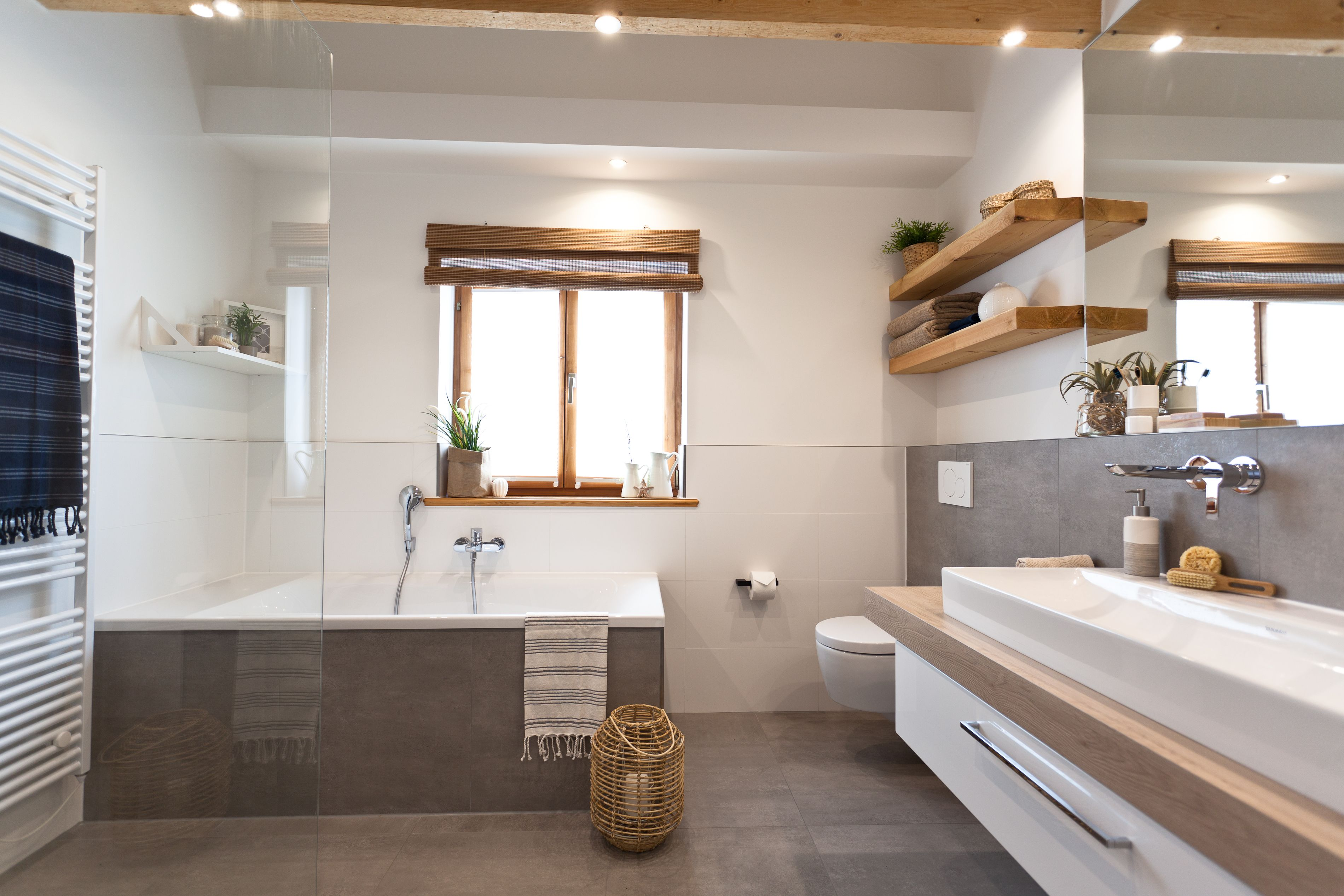 Badezimmer richtig dekorieren | Fliesen betonoptik ...
