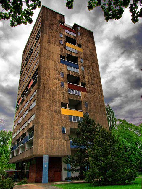 Johannes Hendrik Van den Broek & Jacob Berend Bakema. Apartment House for Interbau Exhibition, Berlin-Hansaviertel, 1957 | ARScentre