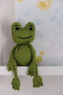 perhaps I could knit this little guy as a friend to Sheldon the turtle?