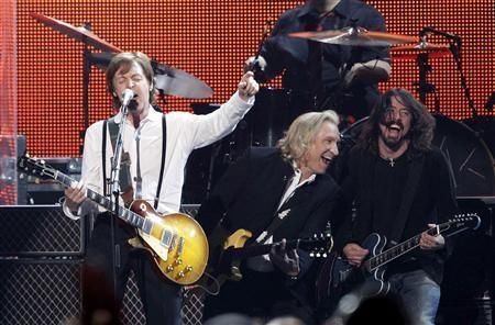 Killer shot!! From theMusiCares  2012 Person of the Year award show.