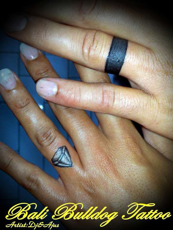 A different look for wedding tattoos Accessorize Weddings