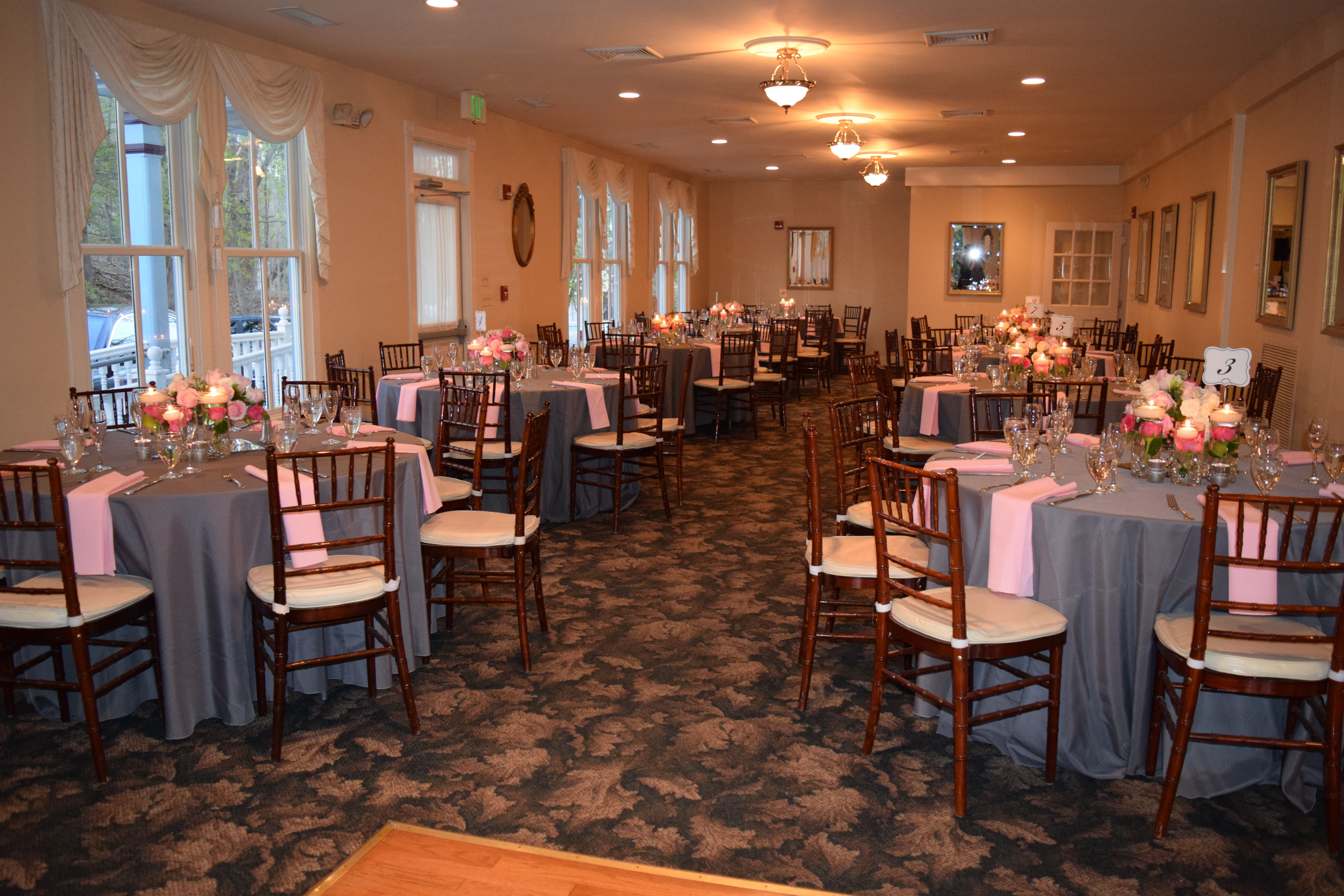 Historic Savage Mill Manor House Wedding Reception Putting On The Ritz Catering Laurel Marylan Smallest Wedding Venue Maryland Wedding Venues Wedding Venues