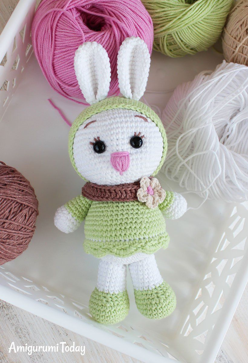 Free Sunny Bunny crochet pattern by Amigurumi Today   EASTER DAY ...