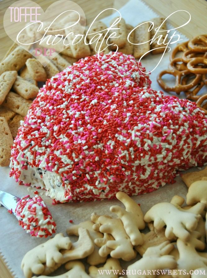 Easy, Valentine's Day Toffee Chocolate Chip Cheeseball Recipe #chocolatechipdip