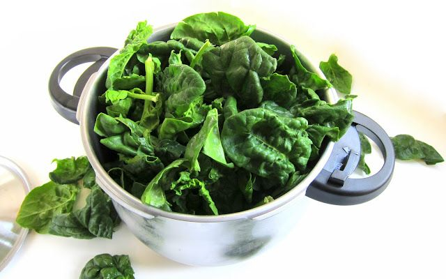 Pressure cooking's now my favorite way to cook greens. Check out how to stuff large quantities of leafy goodness into your cooker without clogging the gasket and having the pot explode in your face!