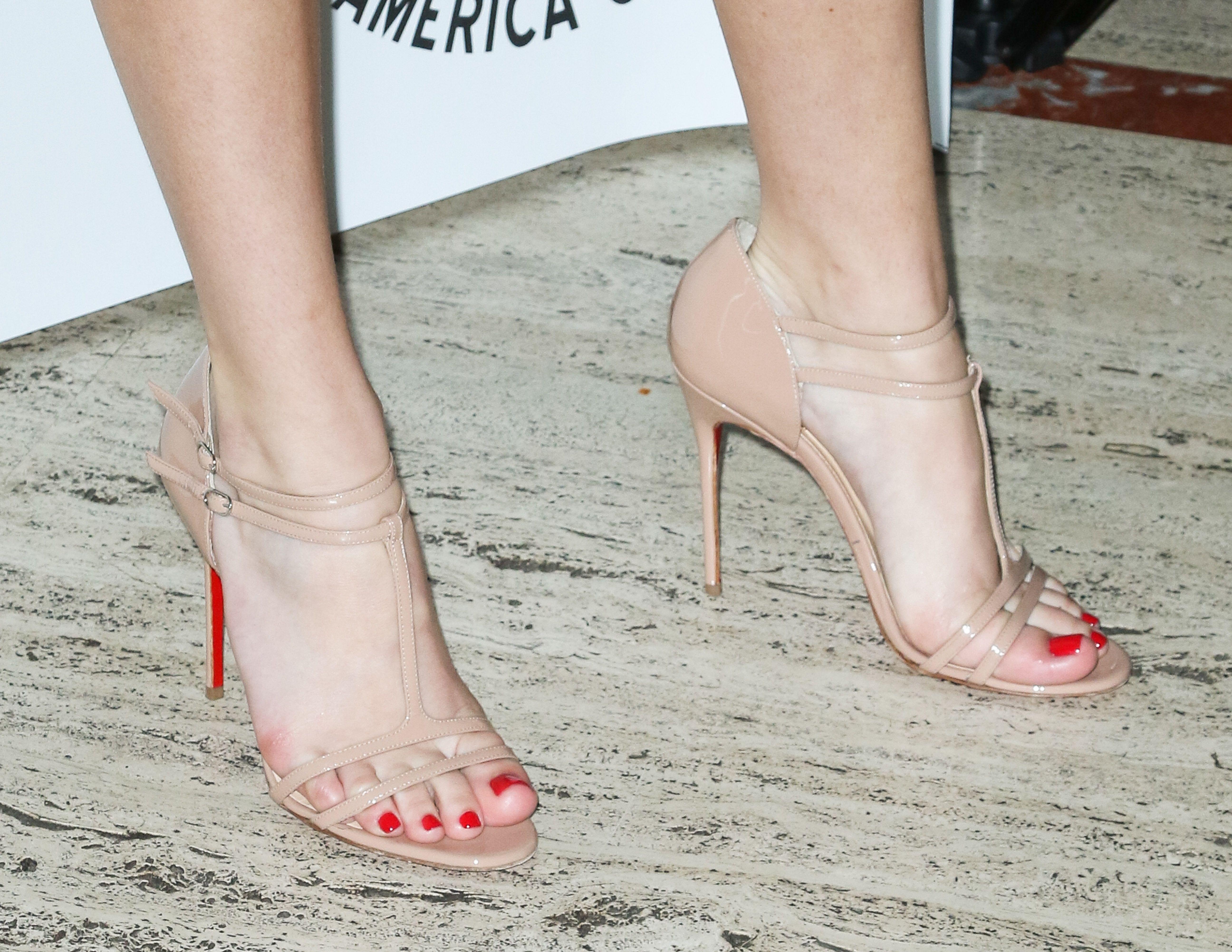 Pin on ❤️ Celeb feet OMG ⍭