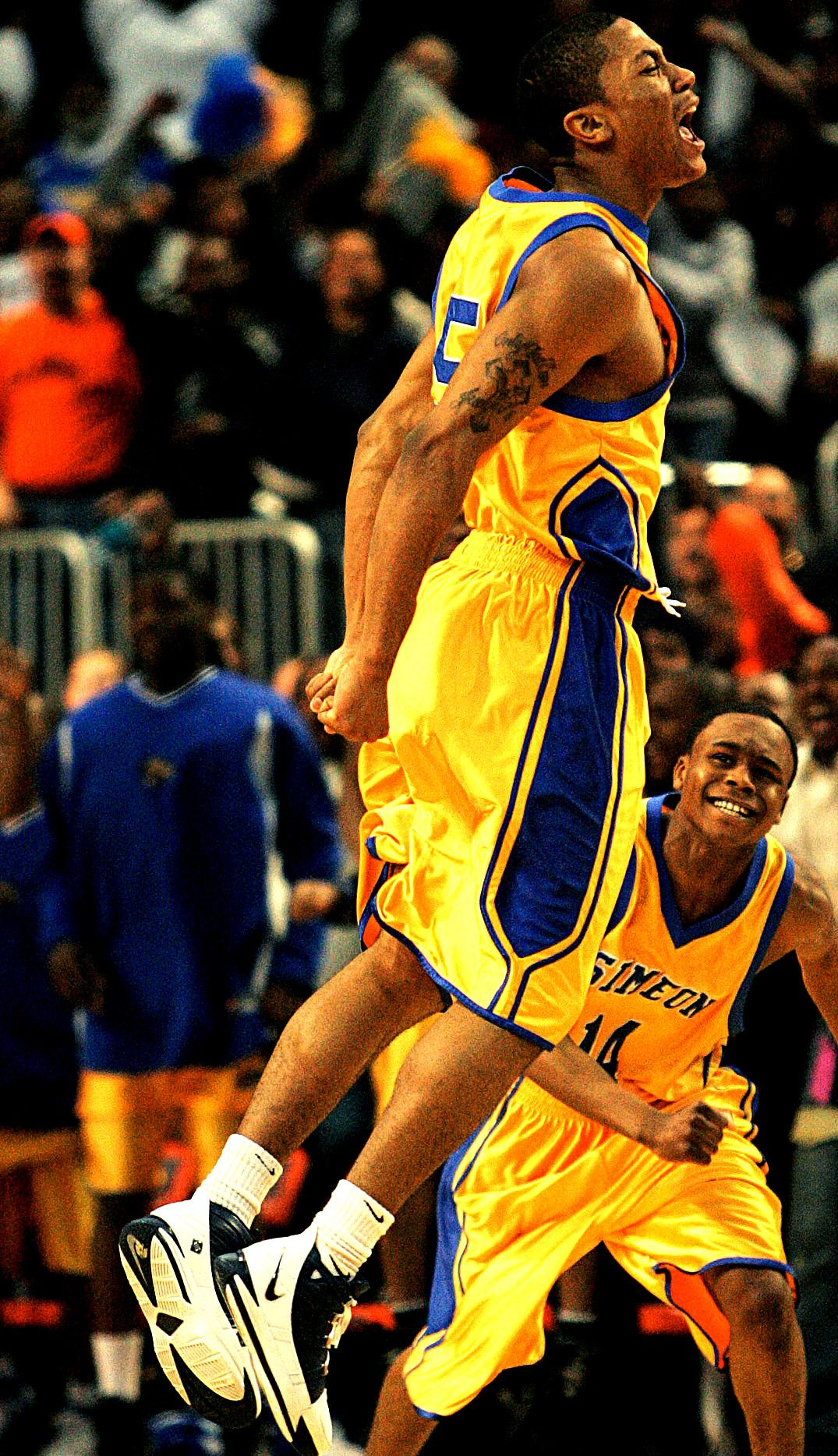 check out 1e0b3 78d7b Derrick Rose in high school Simeon... In memory of Benji ...