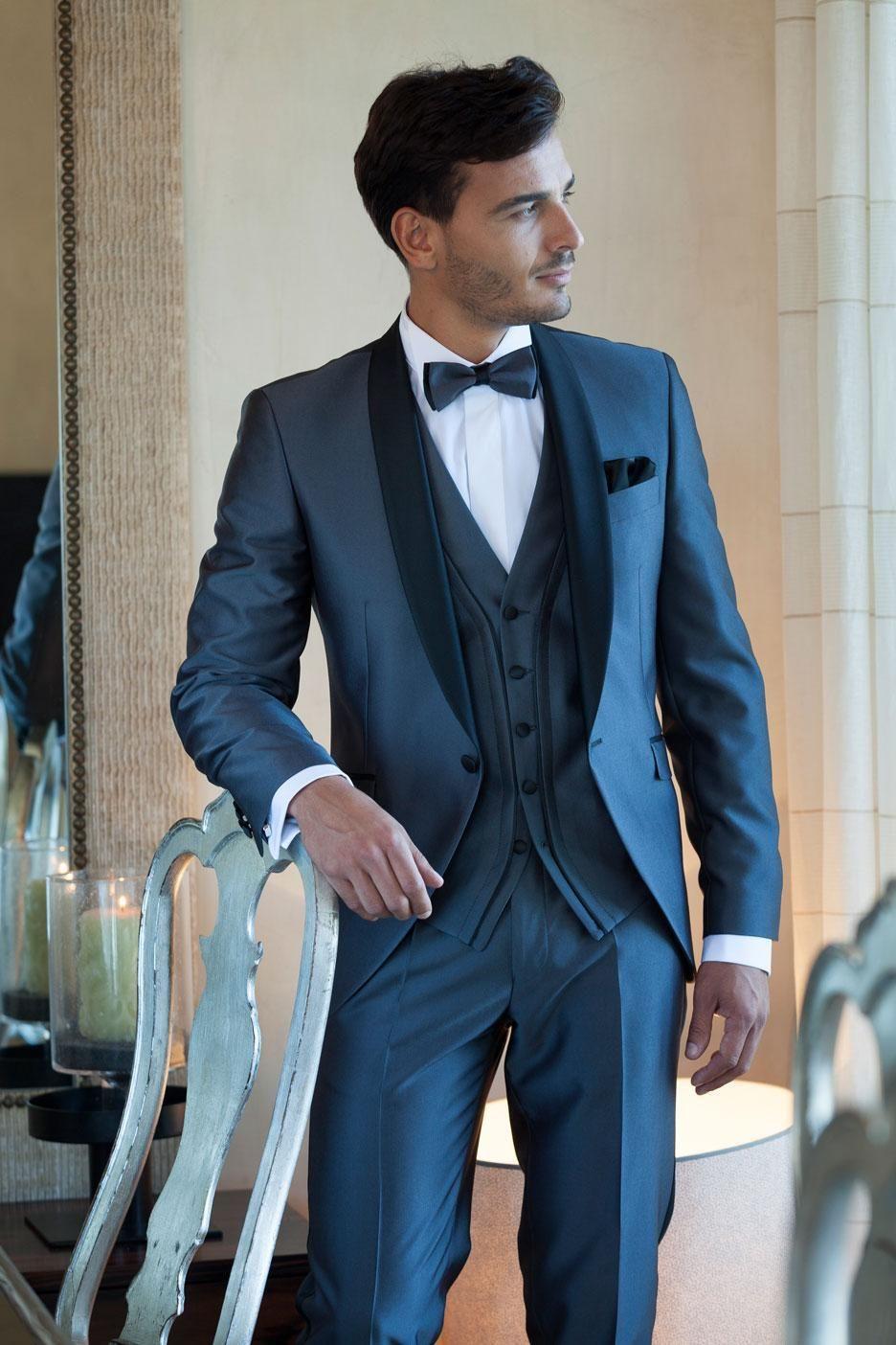 Pas cher 2015 arrivée de nouveaux costumes pour hommes bleu marine sur  mesure Best Men costumes costume de mariage Groom Tuxedos Groomsman veste +  pantalon ... 11fa81d7d2b