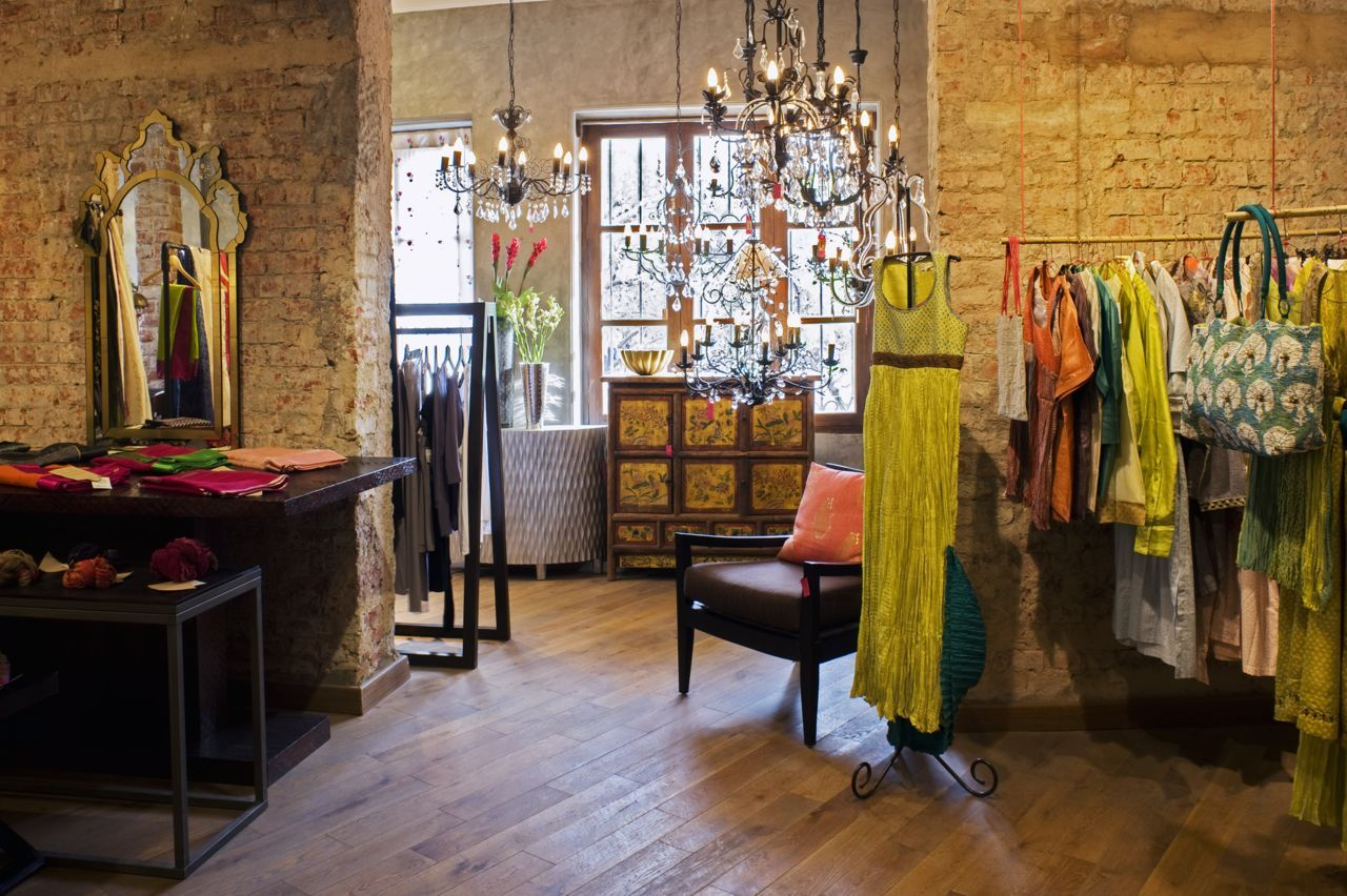 Good Earth Store Khan Market Delhi Good Earth Boutiques In 2019 Design Chic Luxurious