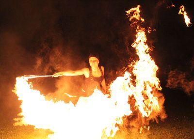 Das Highlight für Hochzeiten, Geburtstage und Parties - Femfire Feuershow