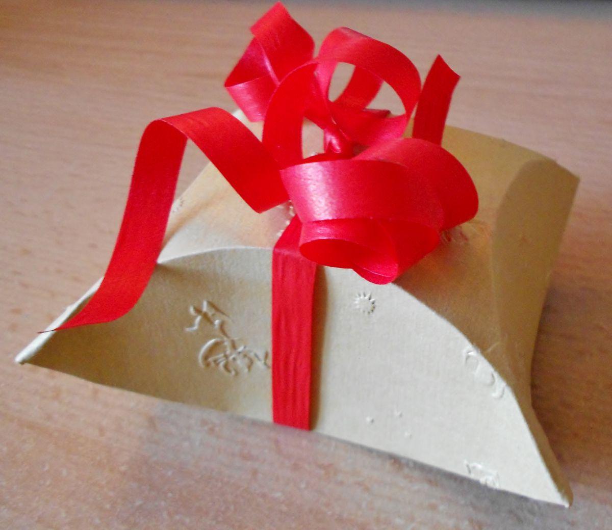 DIY-Geschenkbox | DIY | Pinterest | Geschenkbox, Geschenke und Box