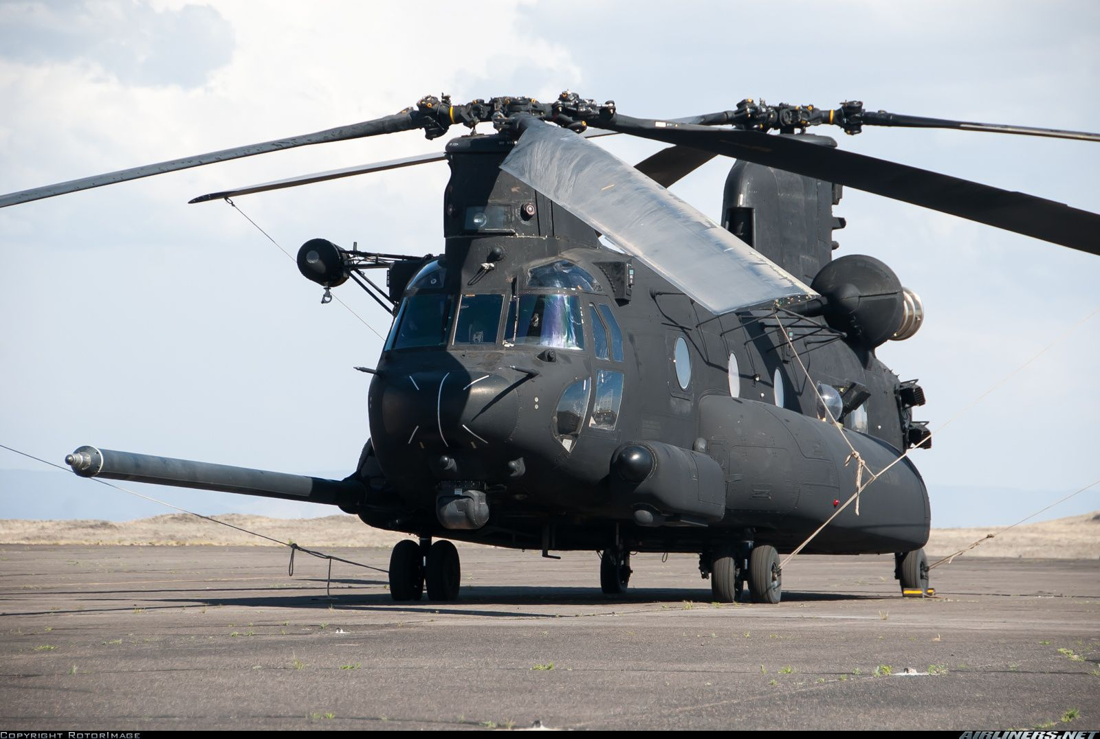Photos: Boeing MH-47G Chinook (414) Aircraft Pictures   Airliners ...