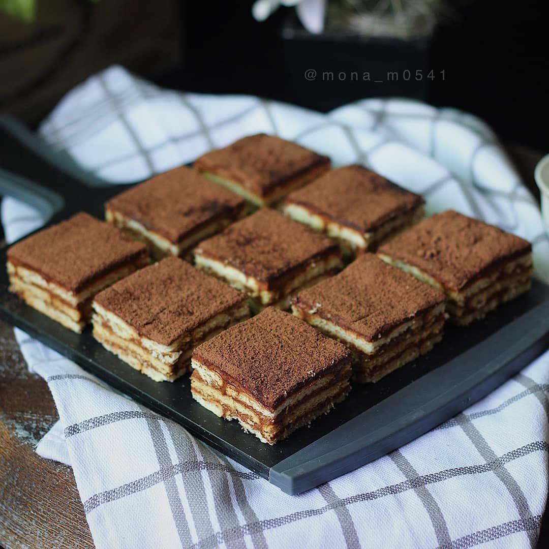 بسـكوتـهـ On Instagram حلا و لآ أسهل المقادير ٢ باكيت بسكوت شاهي و لـ كريمة الشوكولا Food Yummy Food Desserts