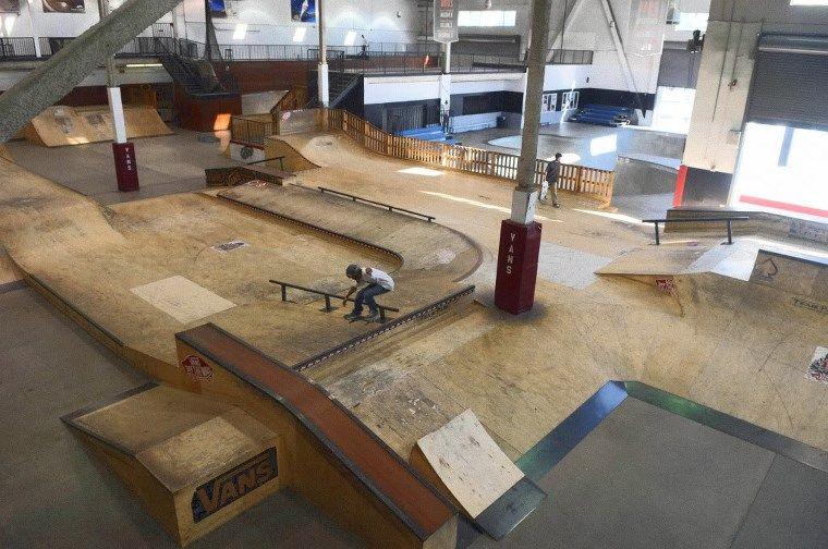 vans skatepark hours