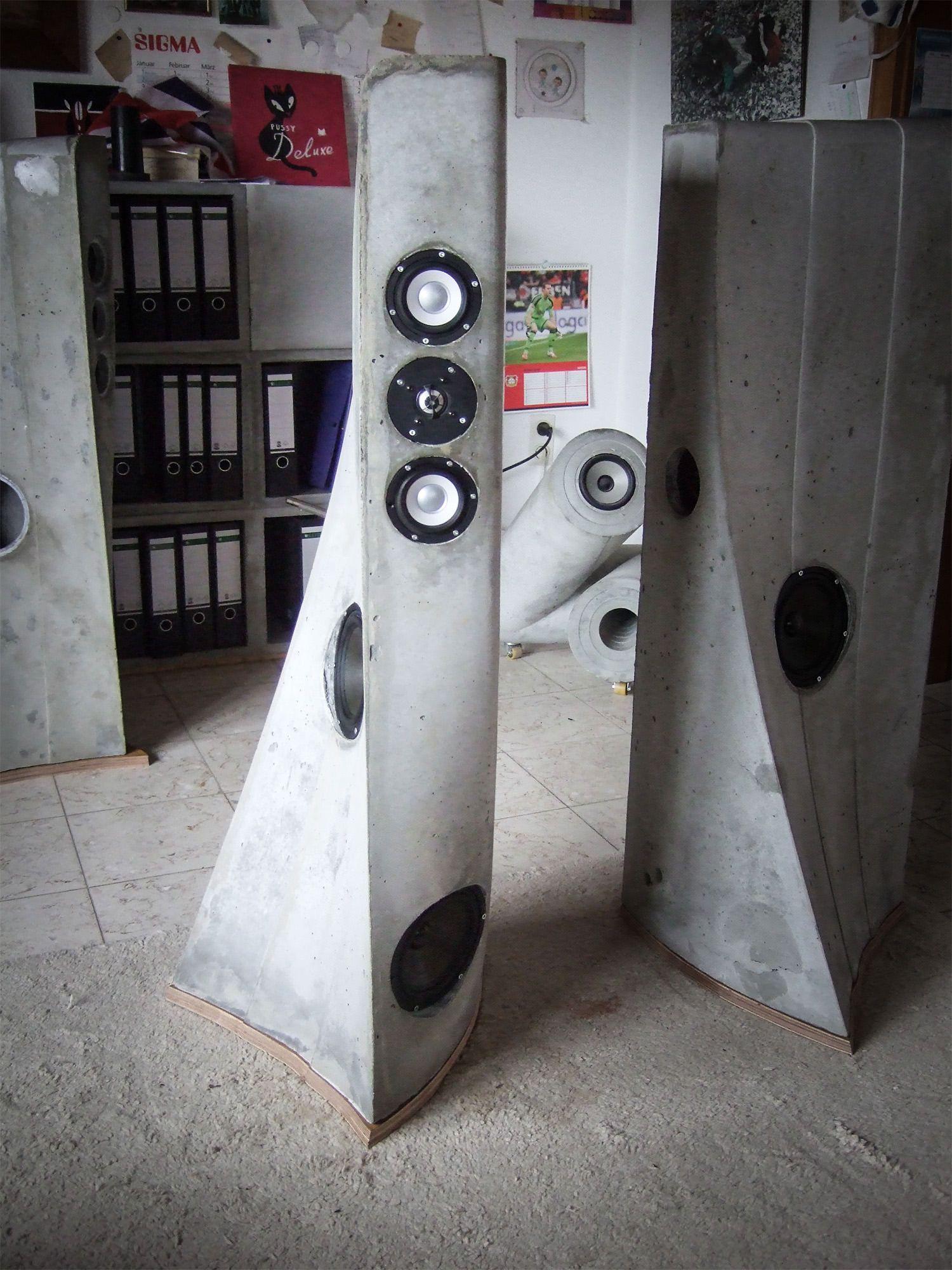 Nice Lautsprechergeh use aus Beton von Christoph Pesch http pesch concrete