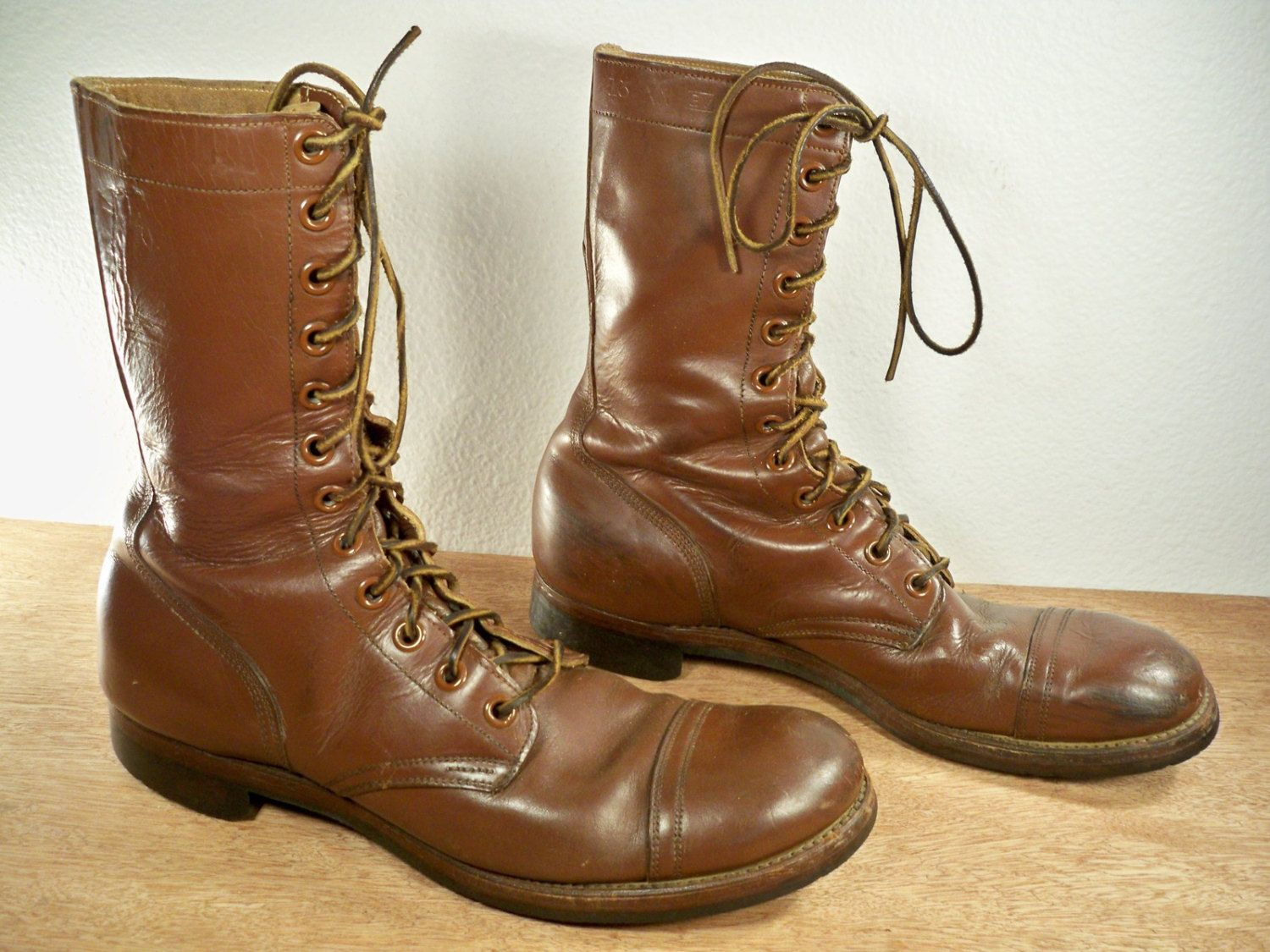 Vintage Us Army Issue Korean War Era Russet Combat Brown Leather Men S Cap Toe Boots With Light Tread Soles Made In Mens Cap Toe Boots Cap Toe Boots Old Boots