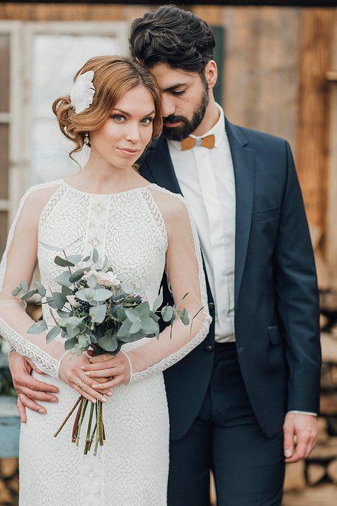 Boho Style Mann auf Hochzeit mit Holzfliege Hozlfliege
