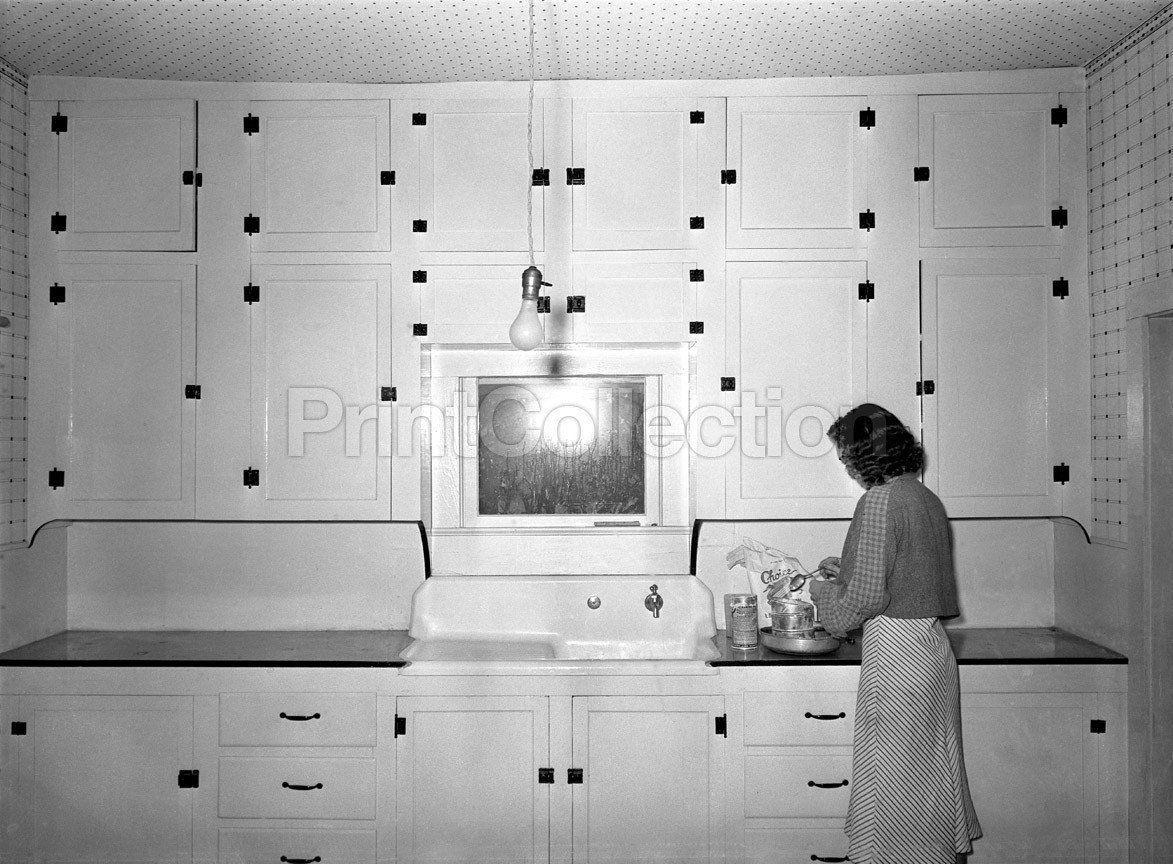 Decorating Kitchen Modern Rural Kitchen 1930 S Kitchen Of Tenant Purchase Client Hidalgo County T In 2020 Retro Home Decor Vintage Kitchen Decor Home Decor Kitchen