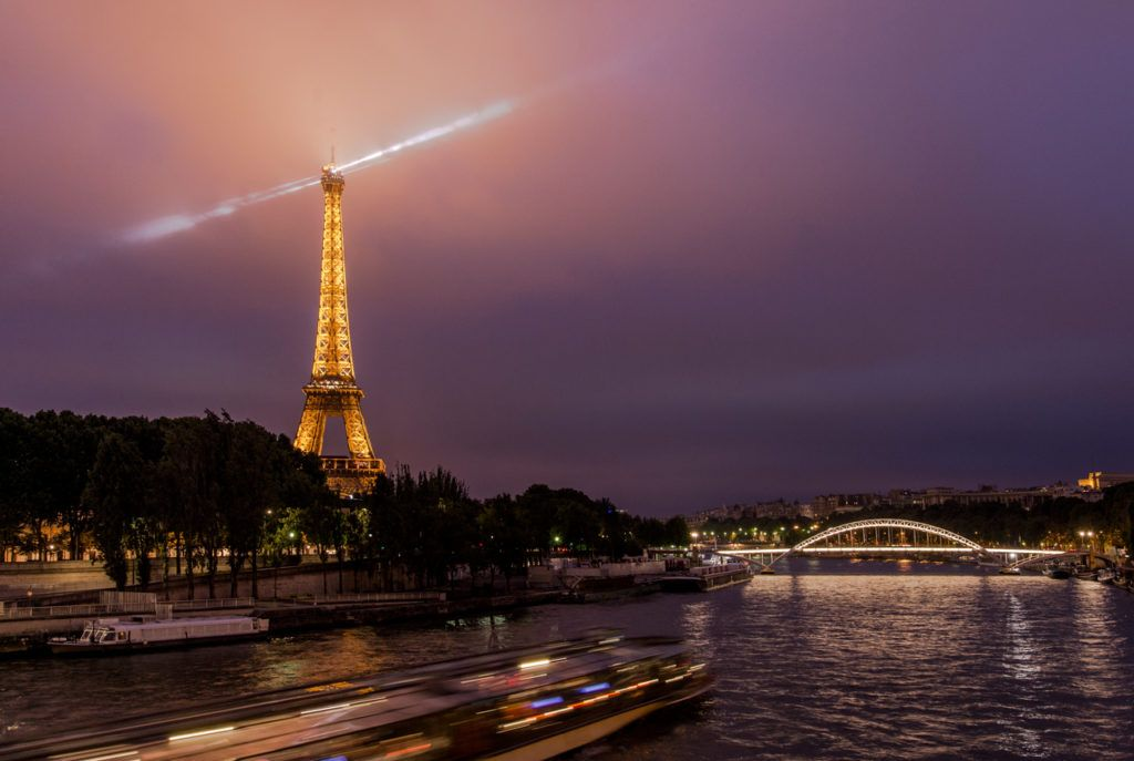Eiffel Tour at night Paris Street Photography Workshop
