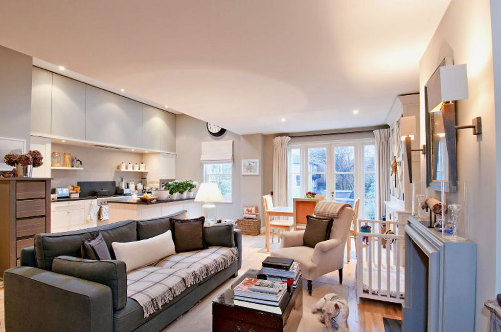 The living room is one of the most important areas in your house for a great hosting experience. A well-designed flat in London, near Hammersmith   Modern ...
