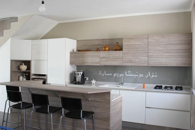 Rivestimento resina cucina cerca con google rivestimenti resina pinterest interiors and - Parete cucina resina ...