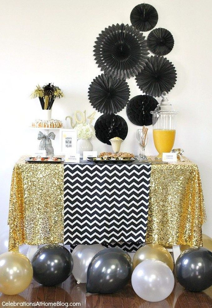 10 Color Schemes For A Sparkling New Year S Eve Party Silvester