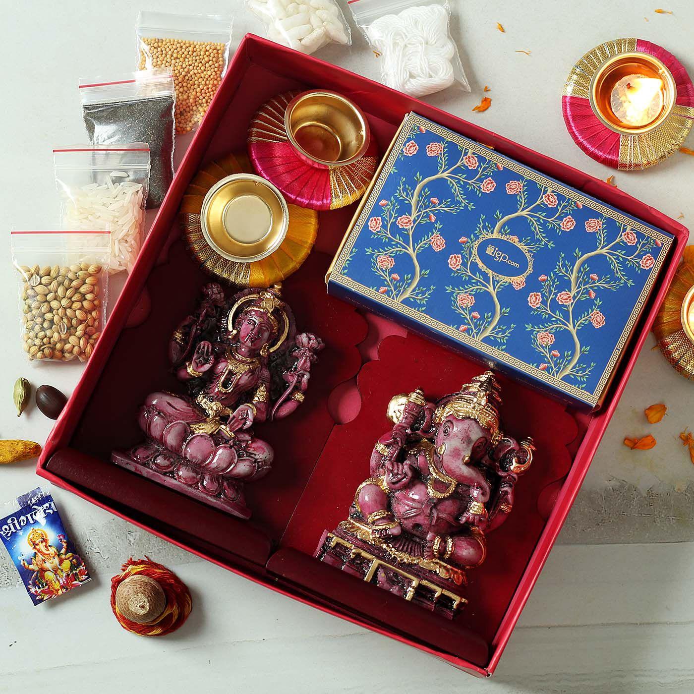 Laxmi Ganesha Idols With Designer Diya In Gift Box Gift Send Diwali Gifts Online J11120977 Igp Com In 2020 Diwali Gifts Diwali Candles Online Gifts