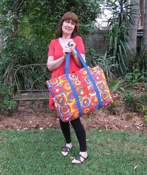 No Frills Extra Large Tote Tutorial Showing How To Make This Roomy Bag Threading My Way