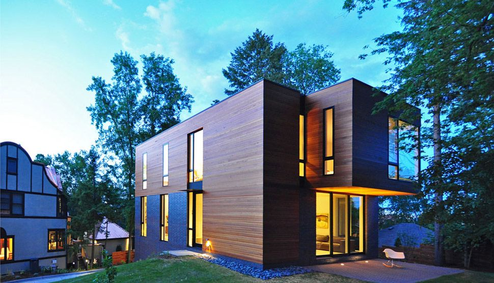 compact-cantilevered-house-in-historic-hood-4.jpg