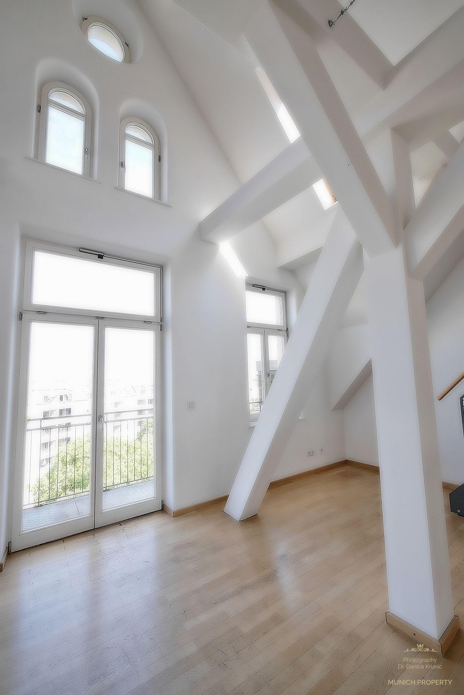 Wohnung Munchen Isarvorstadt Ludwigsvorstadt Glockenbach Luxus Galerie Parkett Saulen Schragen Wohnung Traumwohnung Luxus